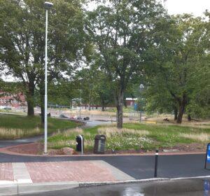 Vid busshållplatsen Lillhagen
